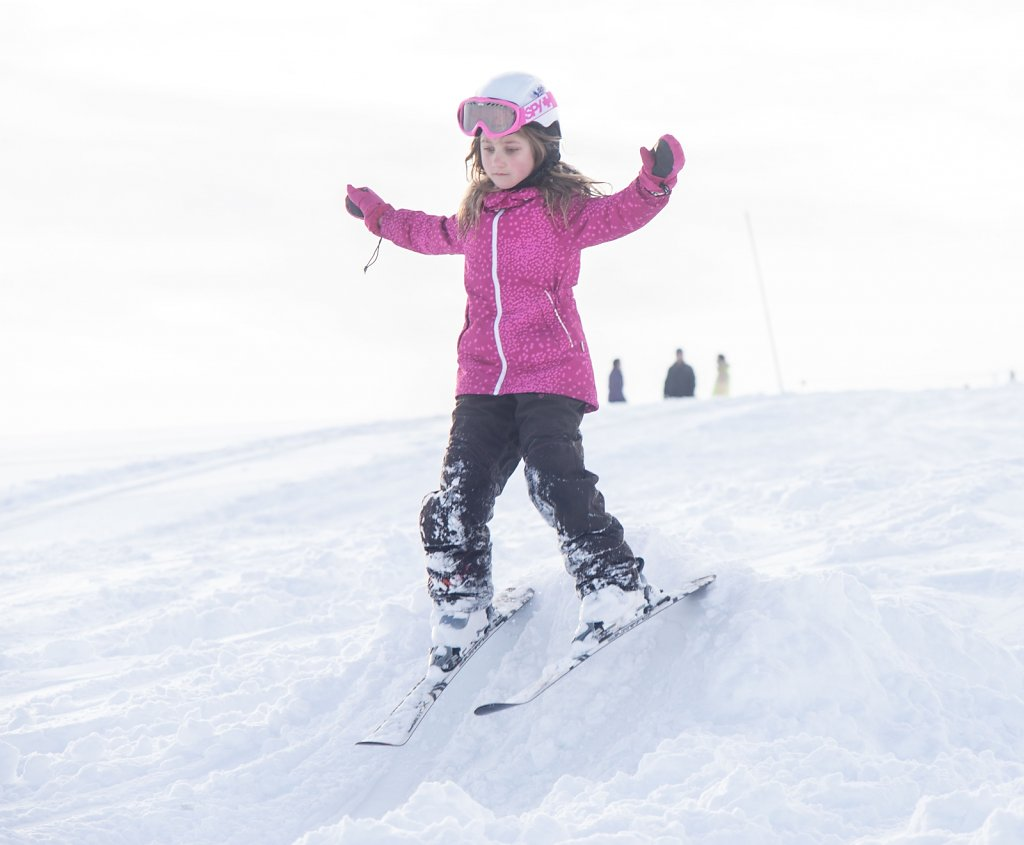 girl-learning-to-ski-jump.jpg