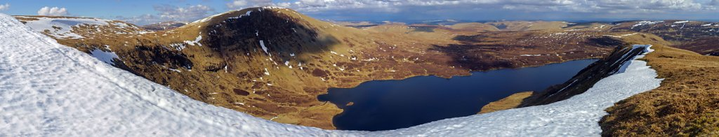 Loch Skeen seen from the cornice along Mid Craig.